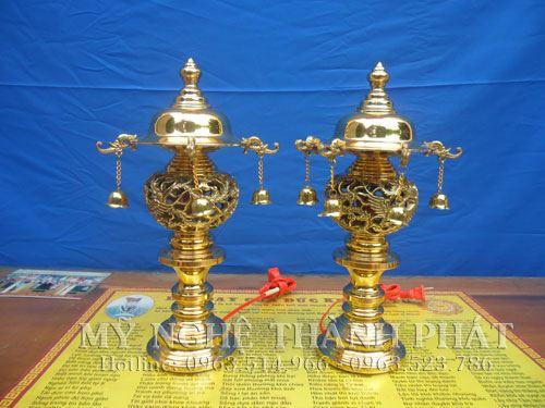 đôi đèn thờ bằng đồng, đồ thờ cúng bằng đồng