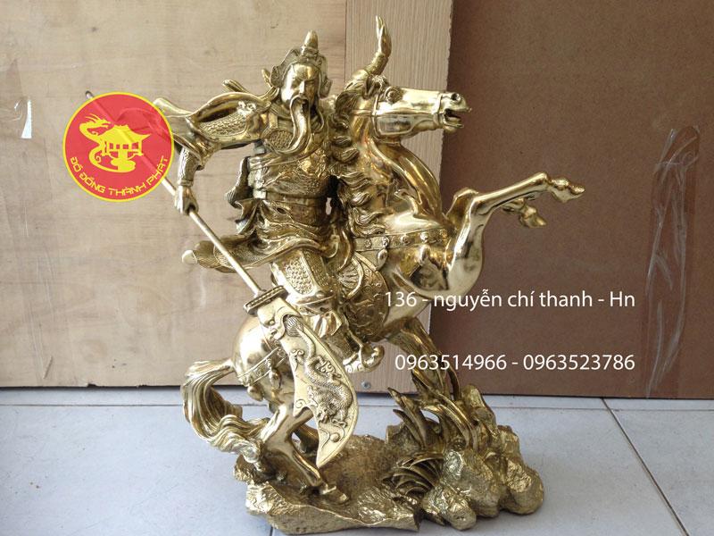 Tượng Quan Công Võ Ngựa Truy Phong